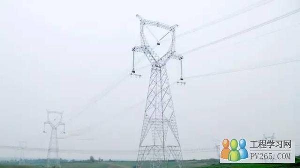 各式各样的的电力铁塔