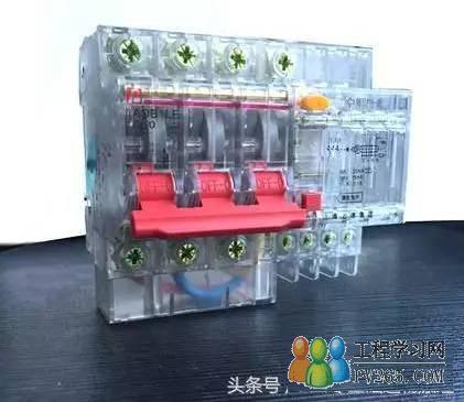 是一种只要电路中电流超过额定电流就会自动断开的开关.